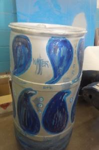 rain barrel with waterdrop design